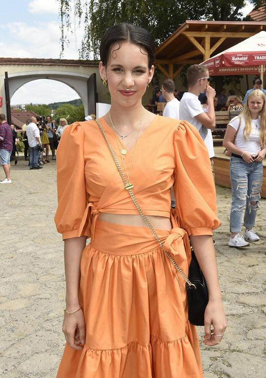 Míša je jednou z hvězd nového seriálu Sestřičky.