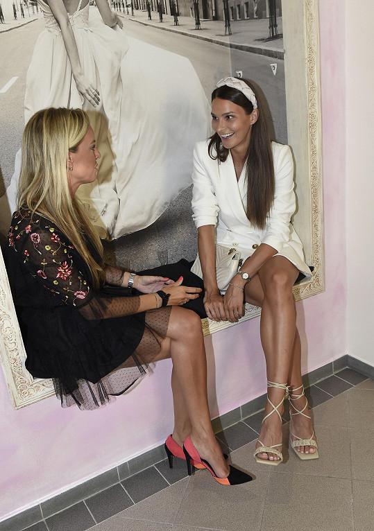 Týden stráví s kamarádkou Martinou v St. Tropez.