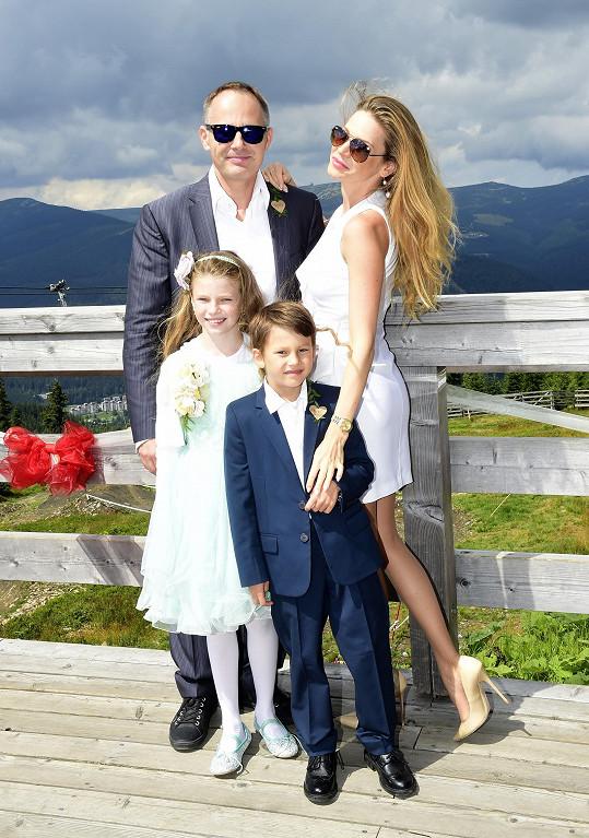 Andrea s manželem a dětmi