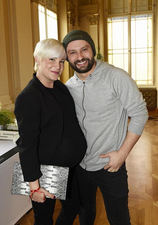 Tereza Stařičná a tanečník Marek Dědík se stali šťastnými rodiči. Mají syna Bertrama.