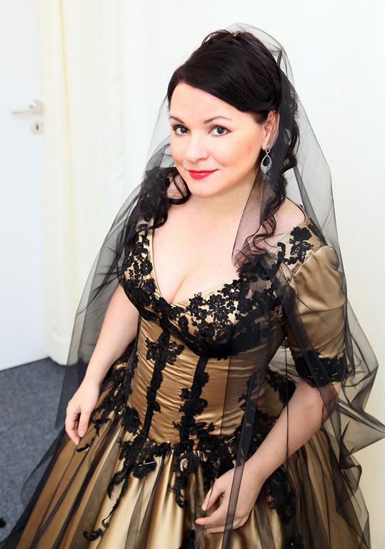 Šaty trochu jako z pohádky Šíleně smutná princezna, co říkáte?