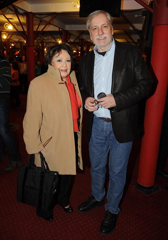 Jiřina Bohdalová vyrazila do divadla s režisérem Zdeňkem Zelenkou.