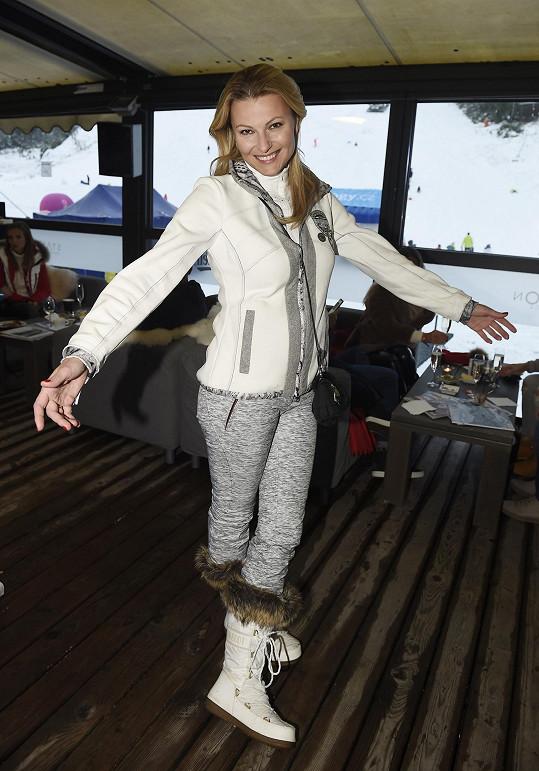 Jitka vyrazila na ski opening do Špindlerova Mlýna.