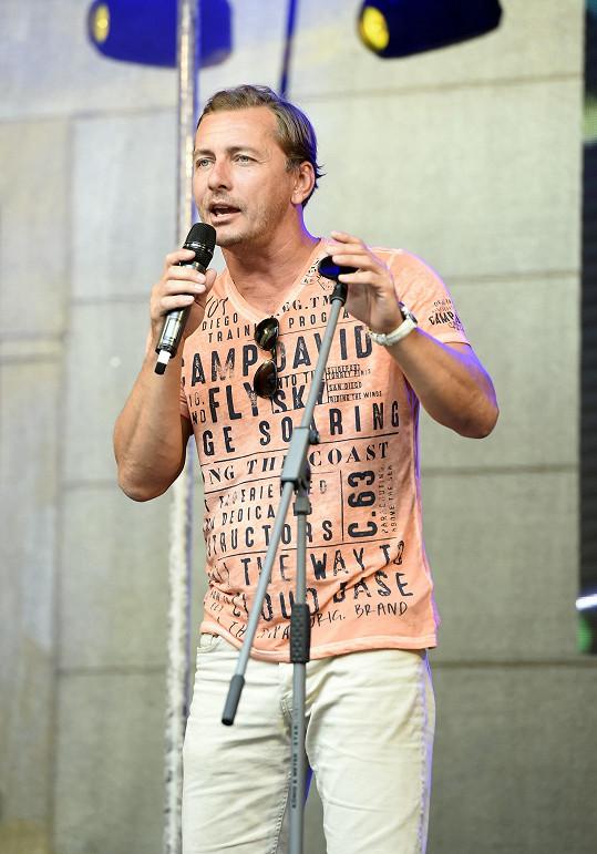 Zazpíval i Petr Vondráček.