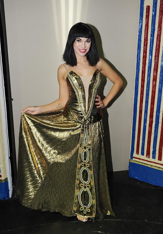 Kamila v jednom z modelů královny Kleopatry
