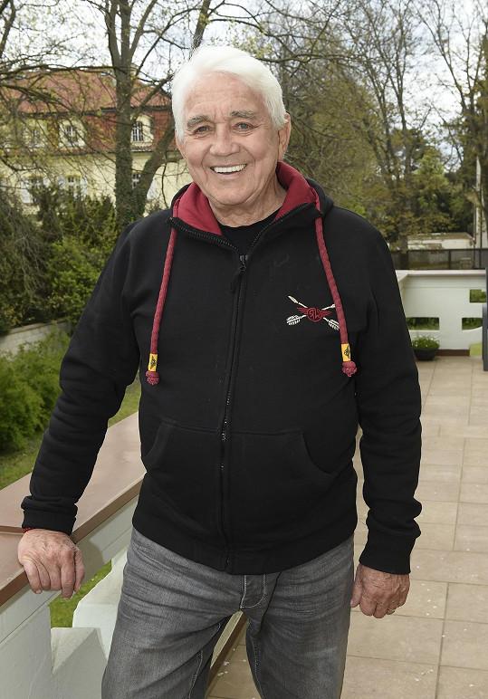 Jiří Krampol byl Potměšilovi na druhé svatbě za svědka a společně natočili několik filmů.