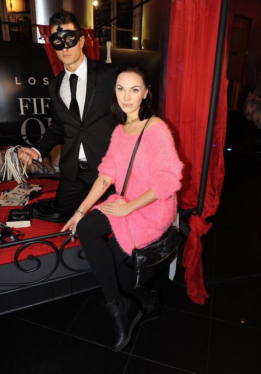 Kamila vyrazila na premiéru Padesáti odstínů šedi.