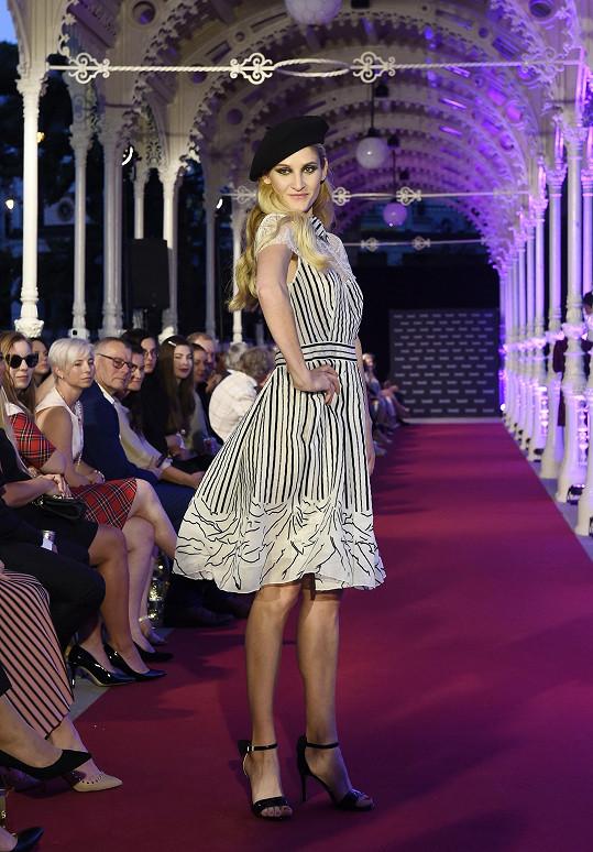 Lucie se zařadila mezi oblíbenkyně návrhářky Beaty Rajské.