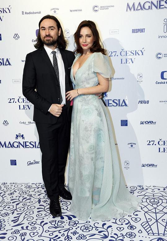 Veronika s manželem Biserem Arichtevem na Českém lvu, kde se o jejím těhotenstí začalo hojně spekulovat.