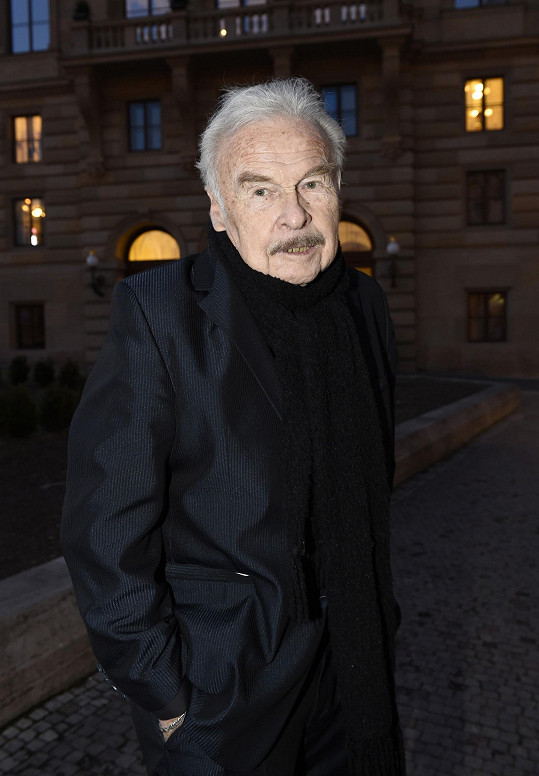 Luděk Munzar v Národním divadle předával cenu pro umělce do 33 let.