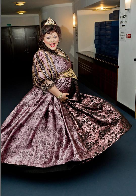 Leona s bříškem v Divadle Broadway