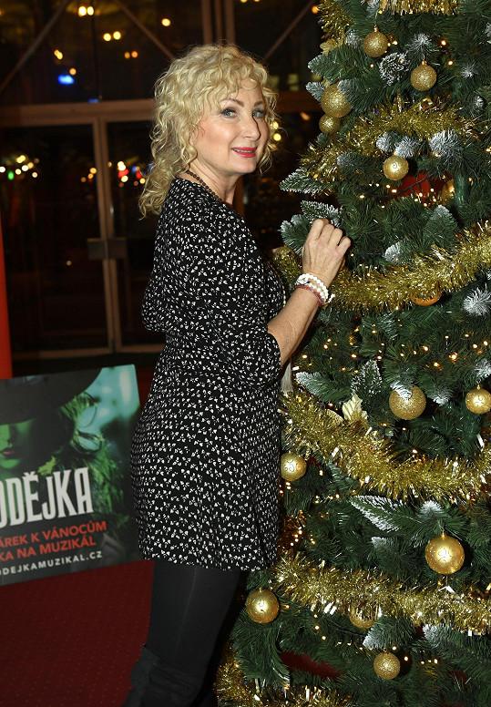 Světlana Nálepková na vánočním večírku muzikálu Čarodějka.