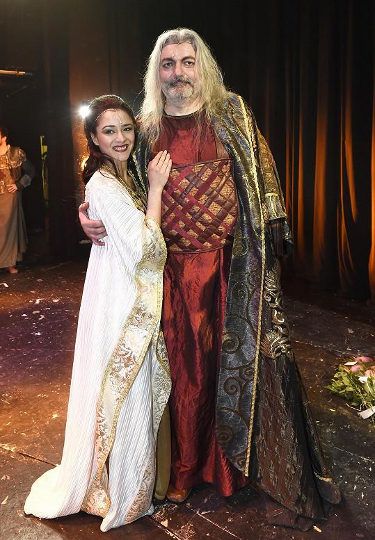 Eva s Danielem Hůlkou coby králem Šalamounem