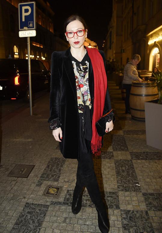 Zuzana Stivínová si ráda v módě hraje.