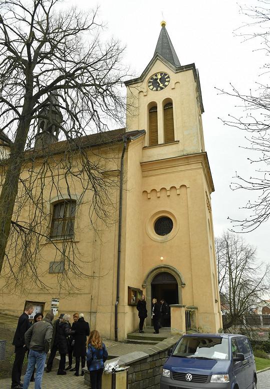 Kostel sv. Ludmily v Horních Počernicích.