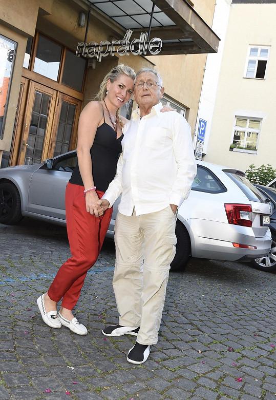 Oscarový režisér s manželkou Olgou