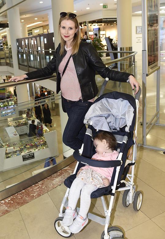 Tereza s dvouletou Emilkou