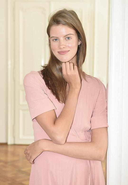 Bára je vítězkou světového finále Elite Model Look pro rok 2014.