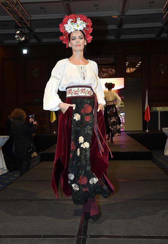Na části modelů nechybí ani tradiční ukrajinská výšivka.
