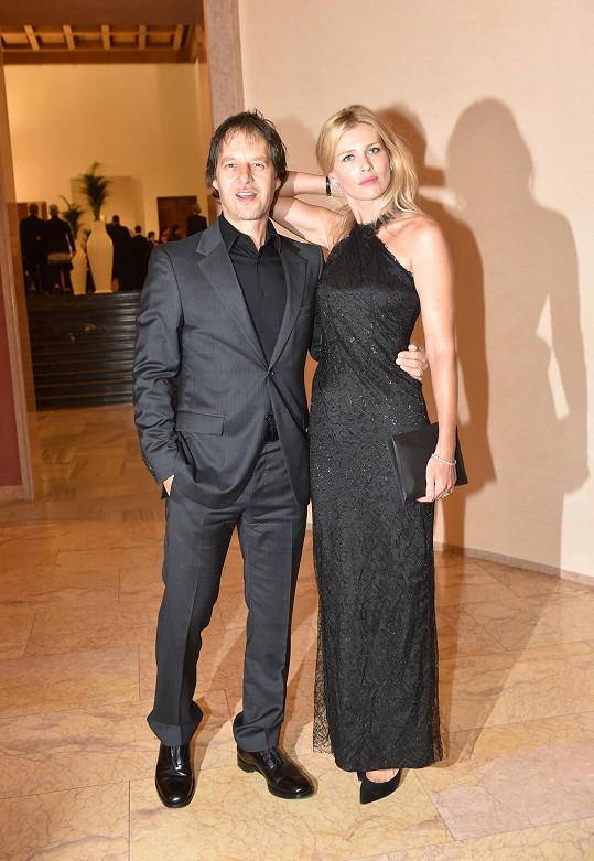 Pavol Habera s topmodelkou Danielou Peštovou, s níž má dvě děti.