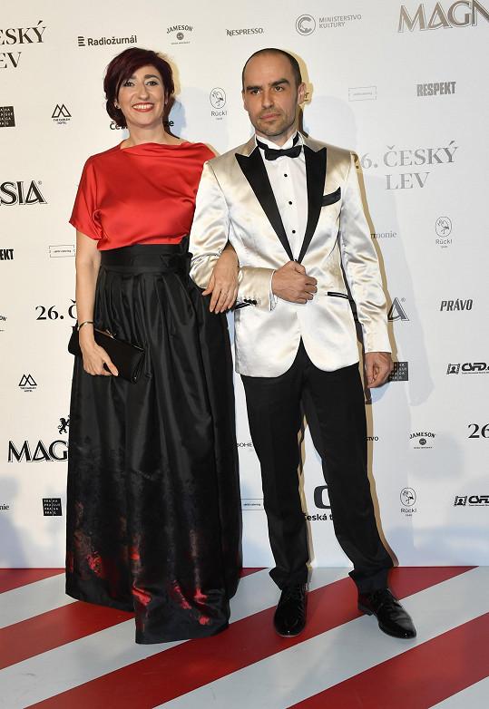 Stejnou návrhářku jako Táňa zvolila i Simona Babčáková.