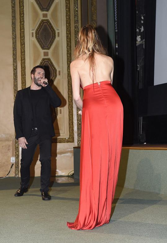 S Vaškem Noidem Bártou zazpívala i filmovou píseň.