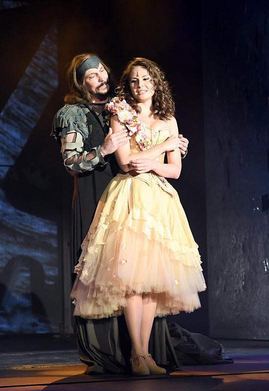 Na zkouškách v Divadle Broadway s kolegyní Betkou Bartošovou.