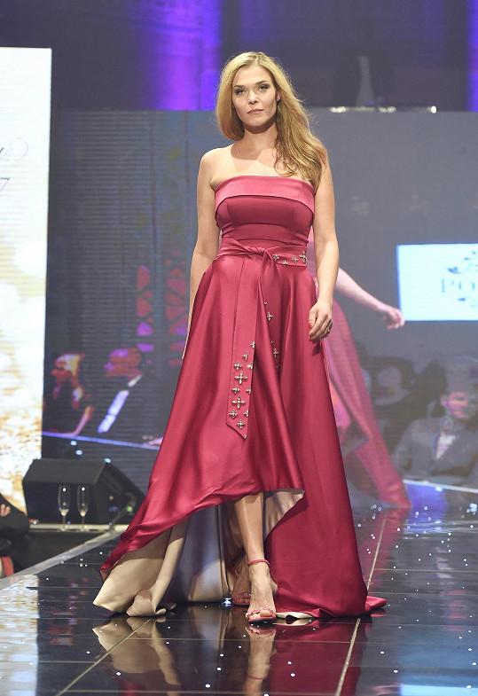 Irena předváděla modely značky Poner.