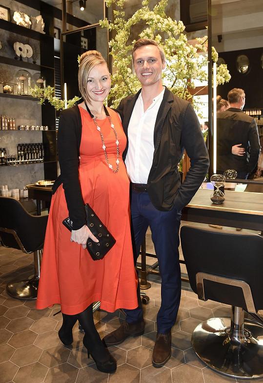 Tamařina těhotná dcera Daniela s partnerem