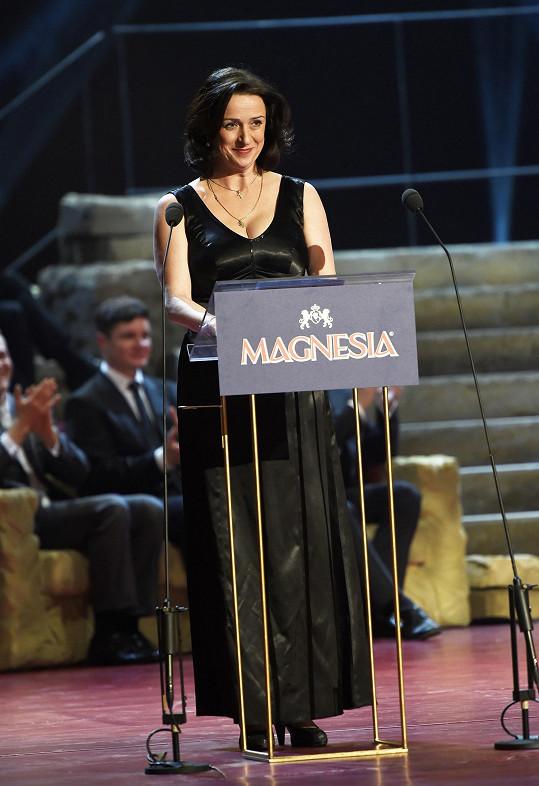 Loni získala Thálii za představení Edith a Marlene. Letos jí bylo trochu líto, že si cenu neodnesla její kolegyně Martina Šnytová za Funny Girl.