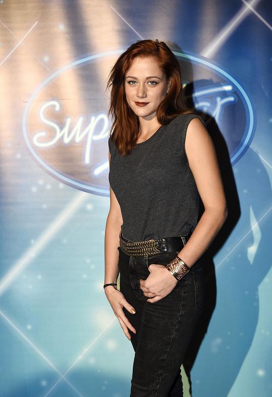 Emma vyhrála před pěti lety SuperStar.