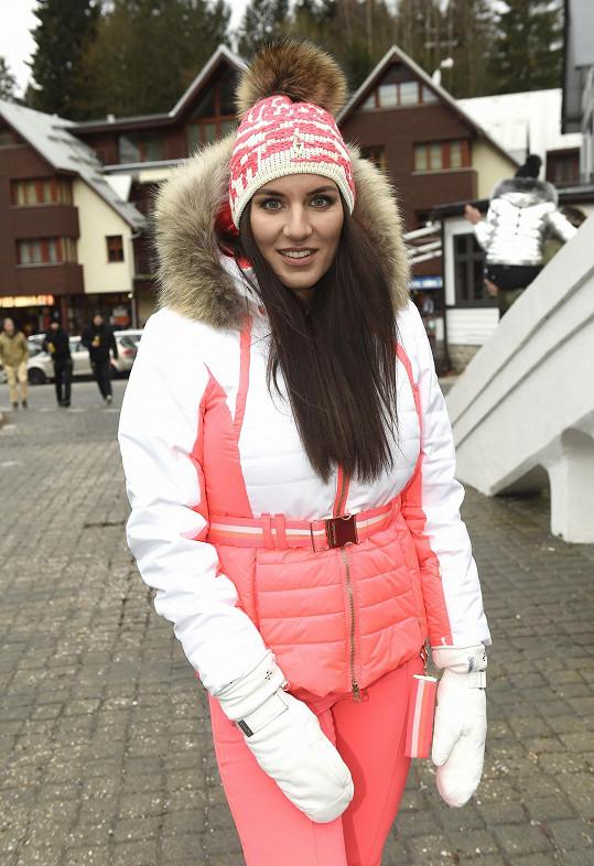 Fotila novou kolekci zimní módy.