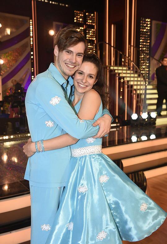 Veronika Kubařová tančí ve StarDance s Dominikem Vodičkou.