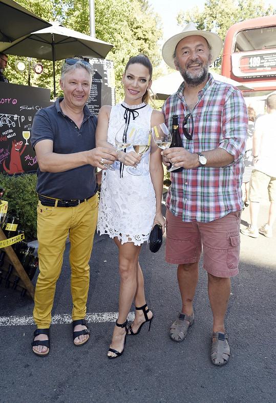 Ráda se pozdravila i s vinaři, které poznala v Champagni.