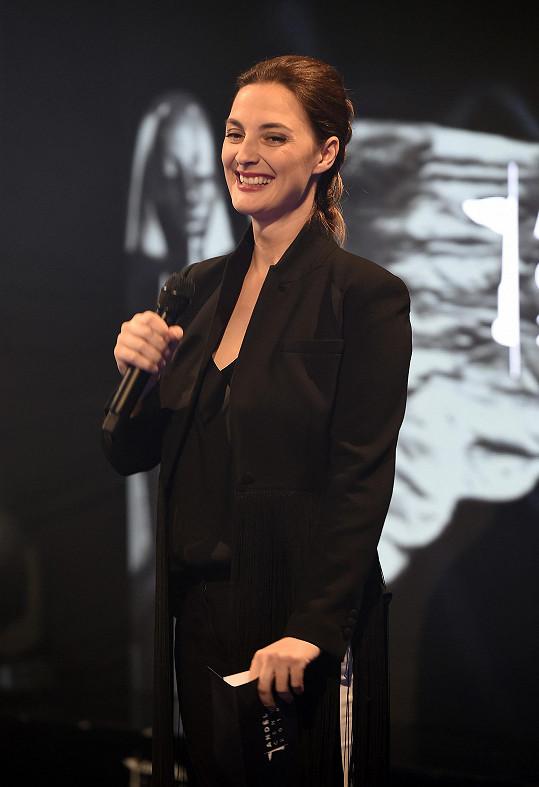 Bára Poláková v březnu přivedla na svět dceru Riku.