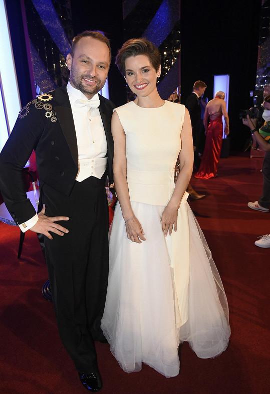 Marek Dědík tvoří taneční pár s farářkou Martinou Viktorií Kopeckou.