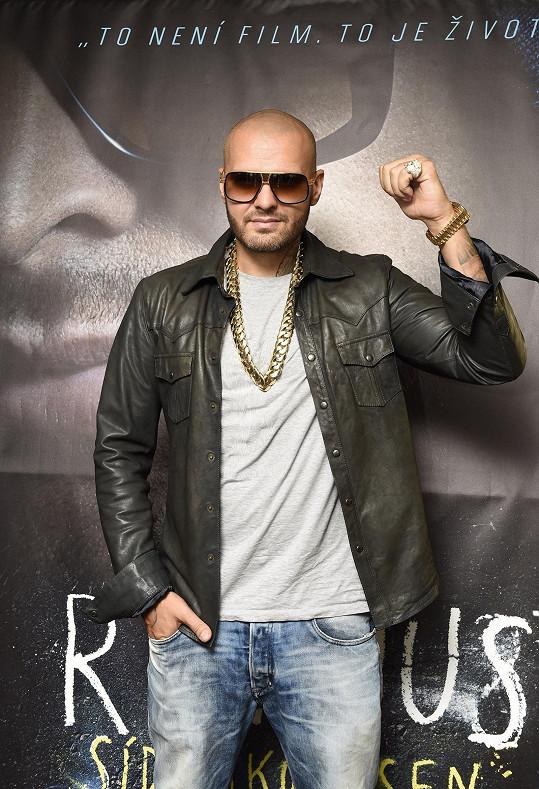 Dnes je z Patrika úspěšný rapper.