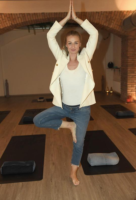 Pravidelně cvičí pilates, chystá se na těhotenskou jógu.