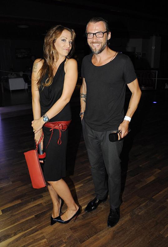 Na párty dorazila s Bořkem Slezáčkem, s nímž natáčela pro TopStar.