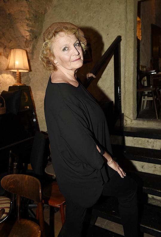 Regina Rázlová se dala do zkoušení nové divadelní hry.