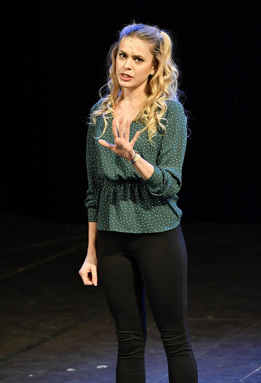 Dominika by si ráda zahrála čarodějku Glindu.