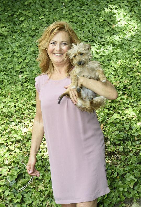 S herečkou zde žije psí slečna Pepina.