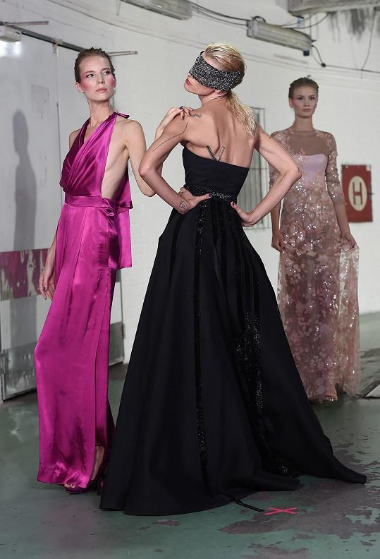 Vedle profesionálních modelek si Lukáš vybral ženy, které ho inspirují.