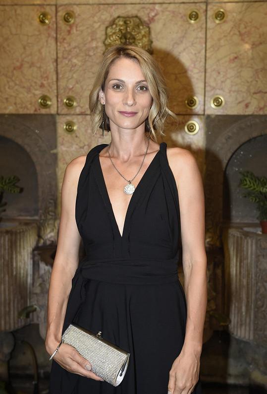 Zuzana Kanócz je v Česku známá díky komedii Román pro ženy nebo seriálu Labyrint.
