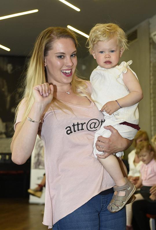 Kristýna Šebíková má roztomilého syna, který si vyzkoušel roli modela.