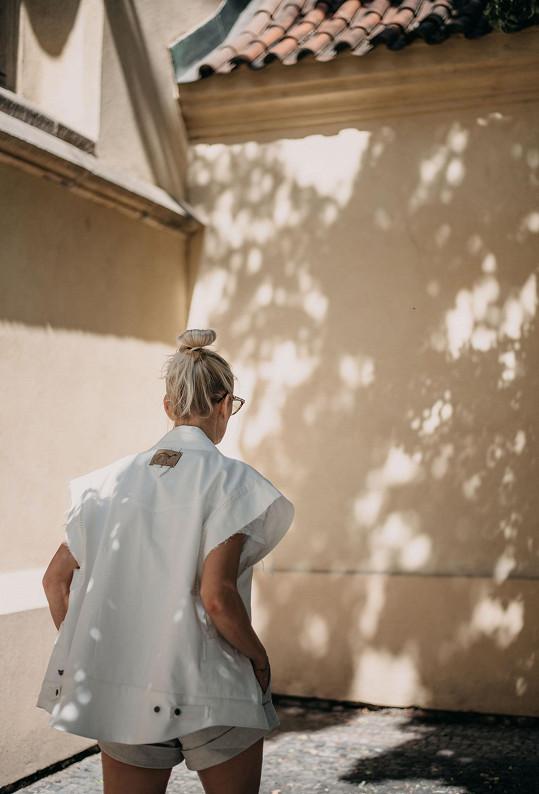 S fotografkou Adélou Mitrengovou se fotilo v centru Prahy.