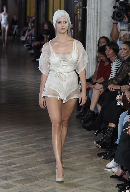 Terezie předváděla pro Terezu Vu už během minulé edice týdne módy.