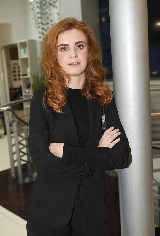 Její roli získala na poslední chvíli Martina Babišová.