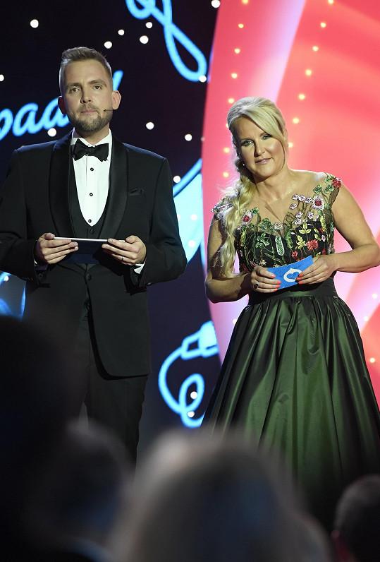 Večer uváděla spolu s Liborem Boučkem.