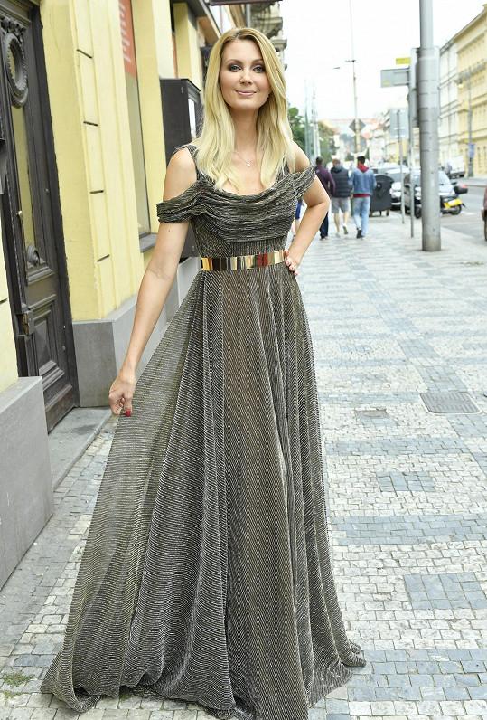 Sandra v modelu od Aleny Wilson